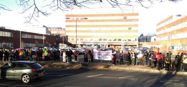 Doctors picket York Hospital as second strike begins